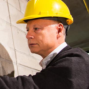 Murat Saatcioglu, professeur protègent les bâtiments contre les tremblements de terre